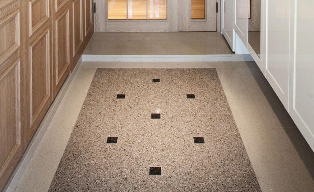 Enterance Hall Floor2